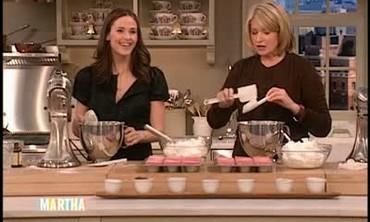 Strawberry Cupcakes with Jennifer Garner Part 1