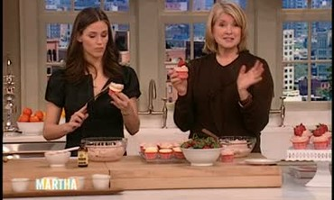 Strawberry Cupcakes with Jennifer Garner Part 2