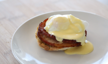 5-Ingredient Hollandaise Sauce and Eggs Benedict
