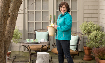 Learn & Do: Lighting Your Patio for Outdoor Entertaining