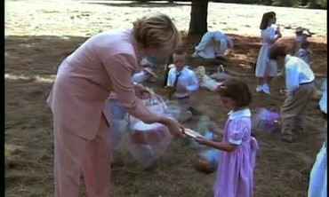 Martha Stewart Takes Children on Easter Egg Hunt