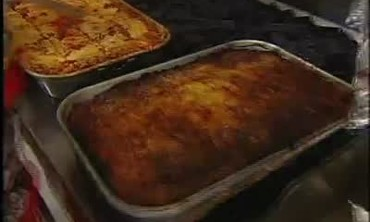 Emeril Works with Lunch Ladies to Prepare Lasagna