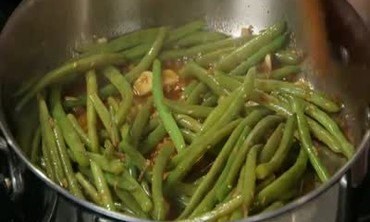 Ginger and Garlic Green Beans with Toasted Sesame