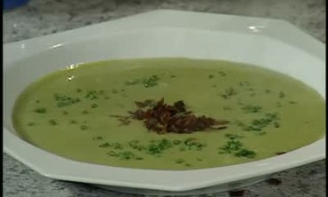 Sweet Pea Soup in Chicken Stock for Easter Dinner