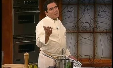 Emeril Lagasse Makes Grilled Tuna With Black Beans