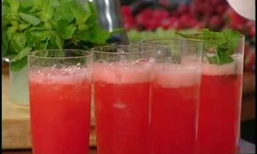 Strawberry Lemon Crush with Lemon Liqueur and Mint