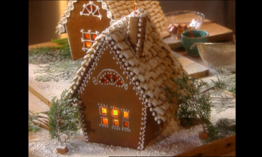 Martha Stewart Builds a Classic Gingerbread Cottage