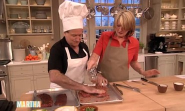 Robin Williams Laughs and Cooks Alongside Martha Stewart