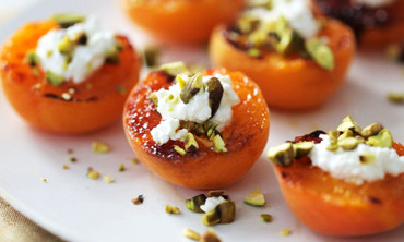 Broiled Apricots Recipe with Fresh Ricotta and Pistachios