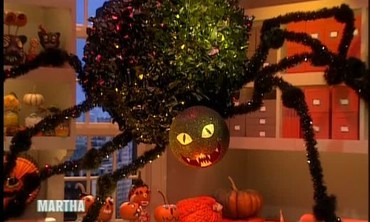 Halloween Spider Decorations with Rosie Perez