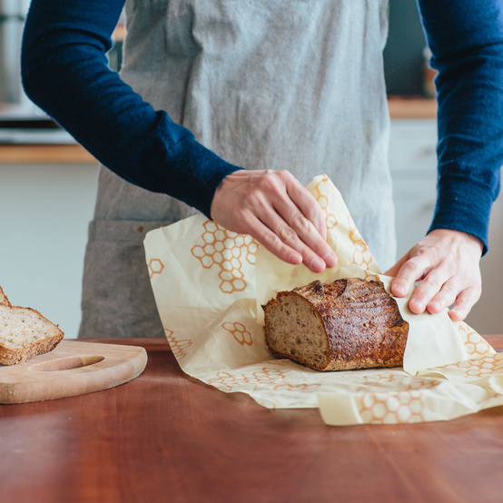 beeswrap-wrapping-bread