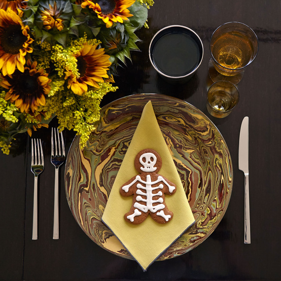 Day of the Dead Party: Sugar Skulls, Marigolds, and More To-Die-For Ideas