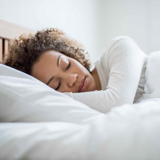 woman sleeping in bed sleep routine