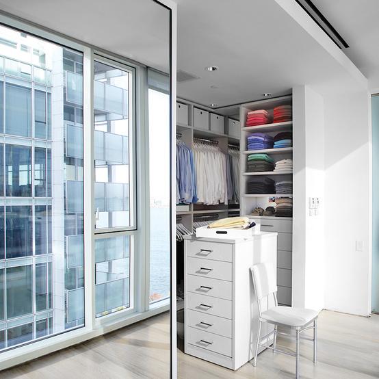 3 Decorating Ideas That Make Small Rooms Seem Bigger