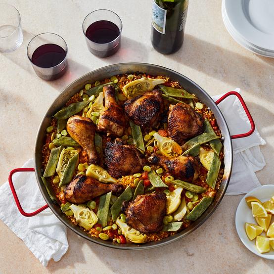 paella valenciana with chicken