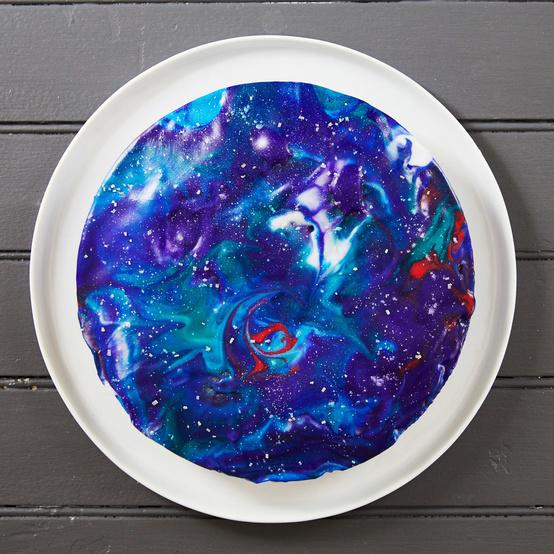 round galaxy cake