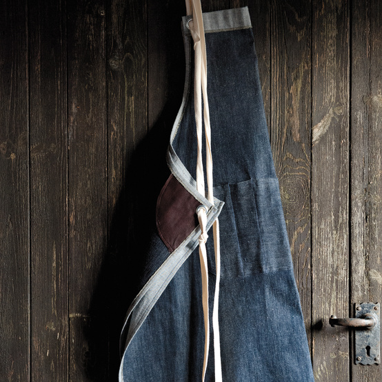 """Industrial Denim Apron Project from """"Merchant and Mills"""""""