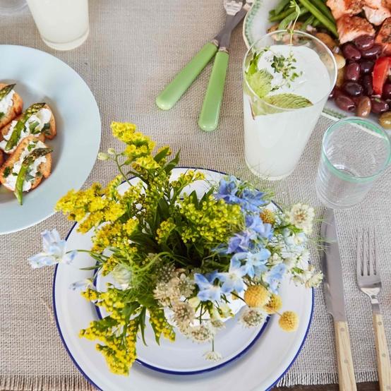 floral brunch table