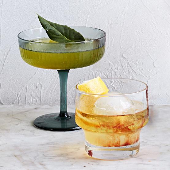pernod bourbon spritz cocktail