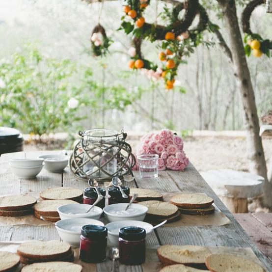 桂花香退长桌中树