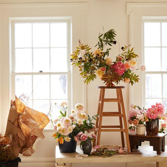 flower arrangements display