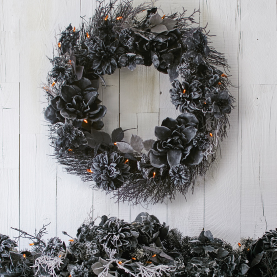 black foliage halloween wreath