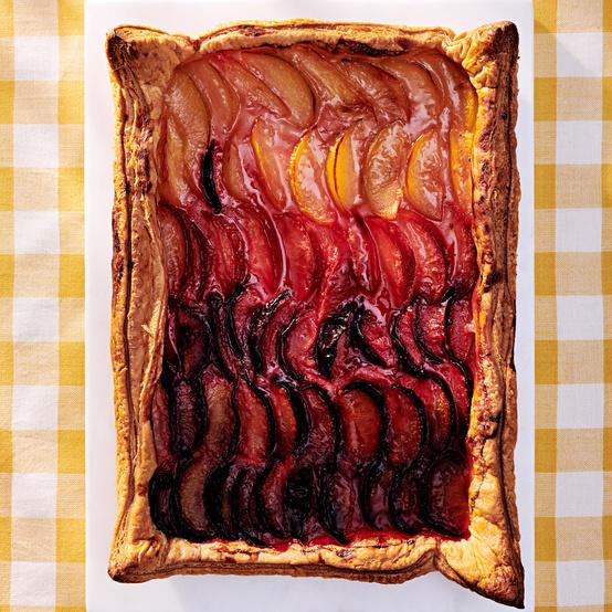 plum tart with gradient effect