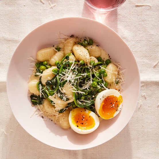 Gnocchi with Peas and Egg recipe