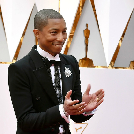Pharrell Williams at the Oscars red carpet 2017