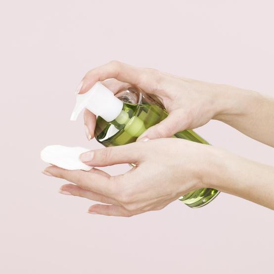 cotton-pad-toner-makeup