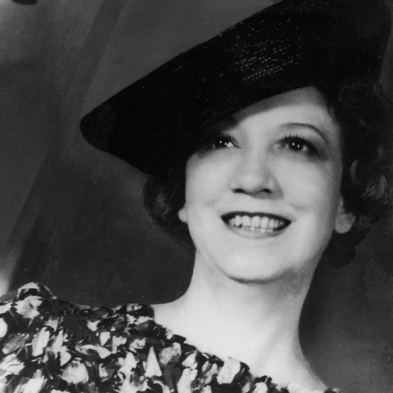 elizabeth arden black and white portrait