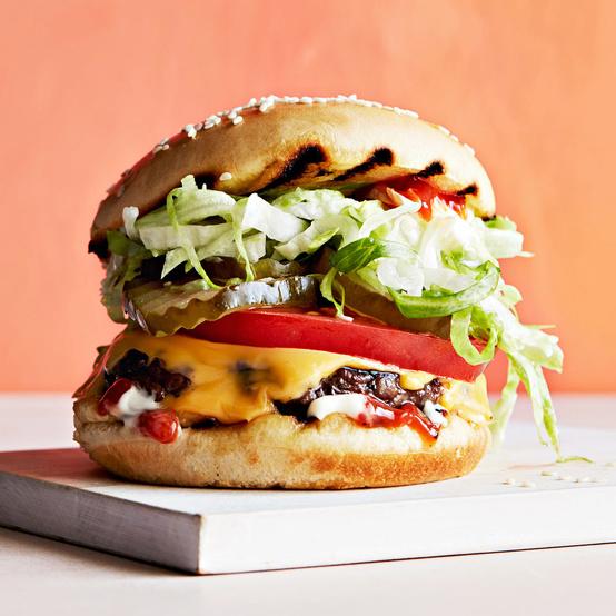 汉堡生菜西红柿泡菜奶酪