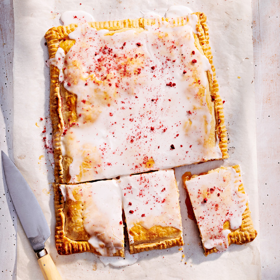 double-crusted jam tart topped with finely ground berries