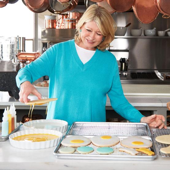 martha stewart dipping sugar cookies in frosting