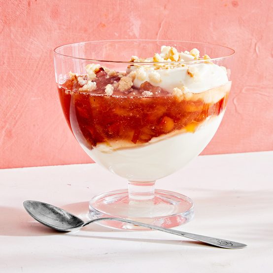 quick peach-compote dessert cups topped with crushed cookies