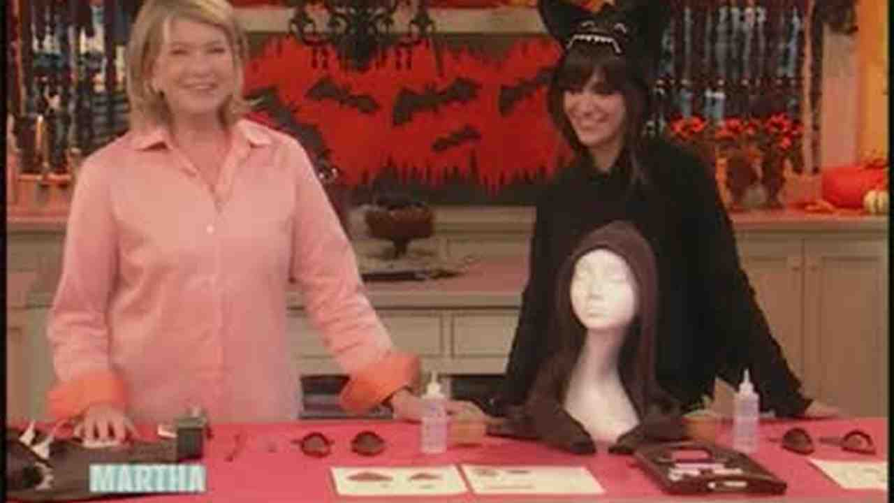 Video big bad wolf costume martha stewart solutioingenieria Choice Image