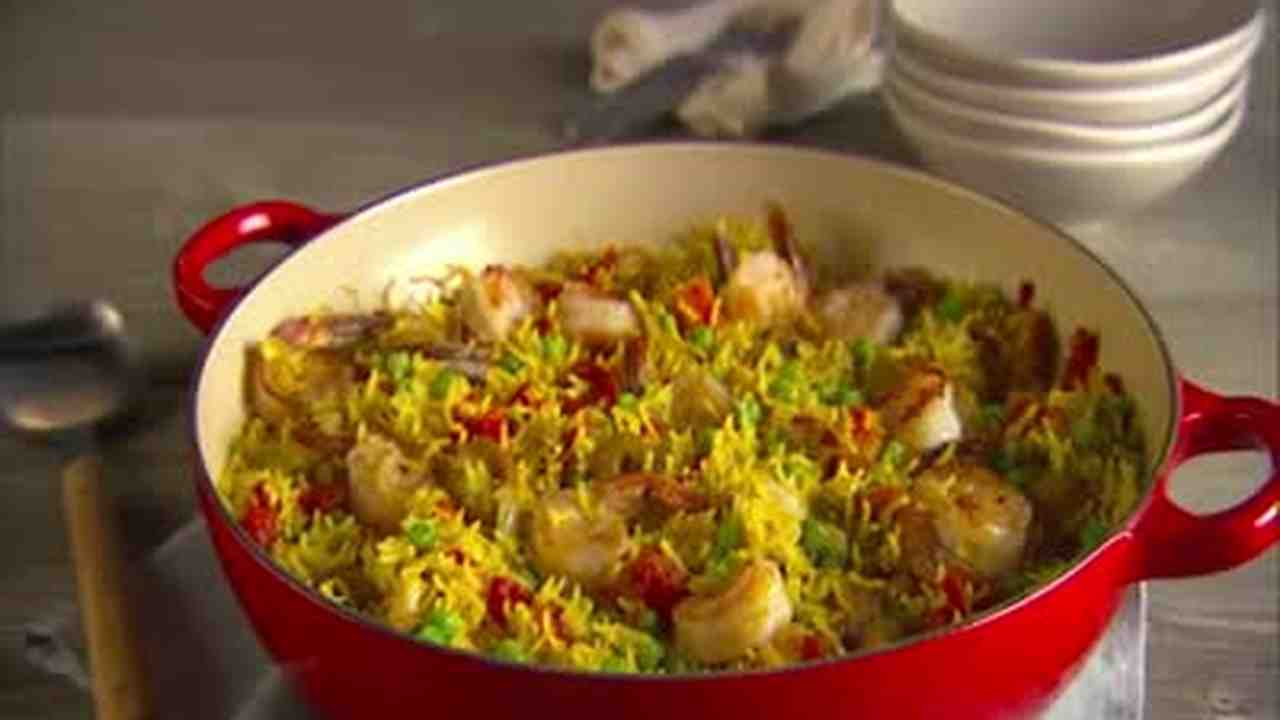 Video quick and easy paella martha stewart forumfinder Images