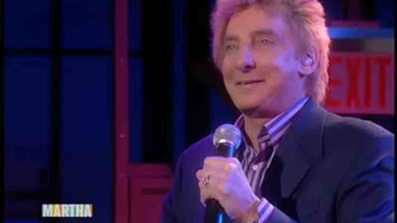 Video: Barry Manilow Performs \