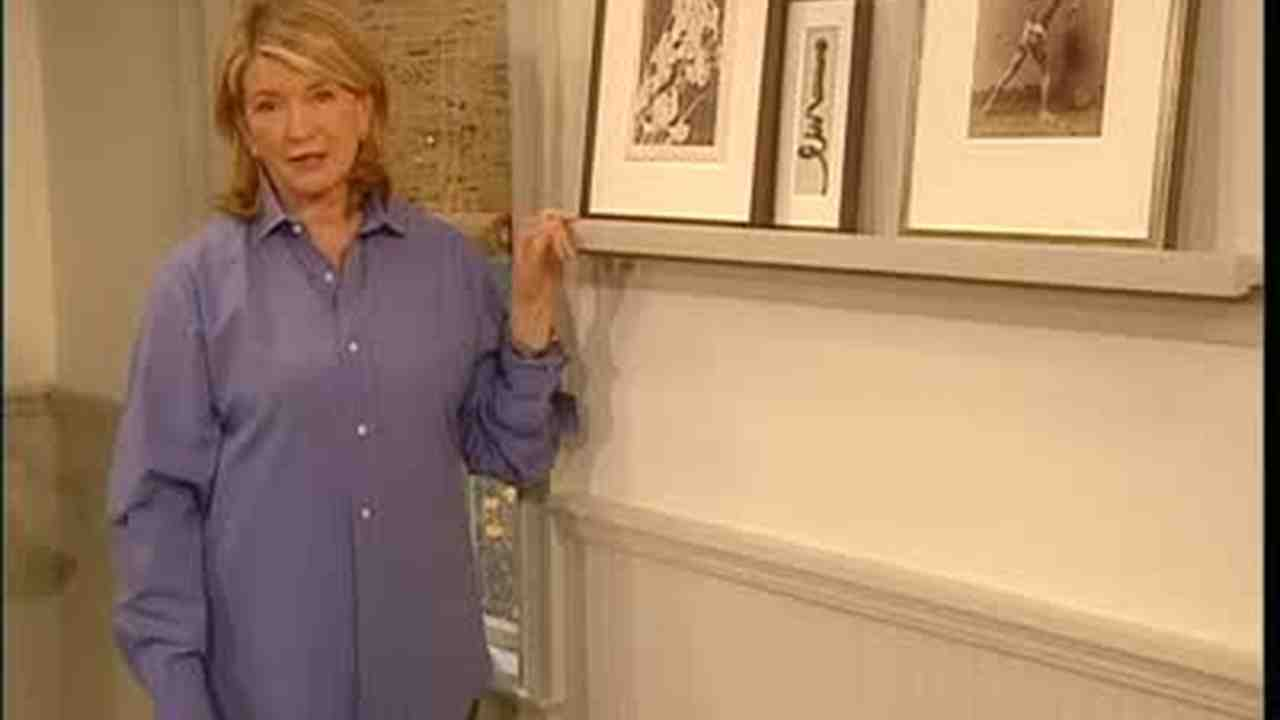 Video: The Proper Way to Hang Pictures | Martha Stewart