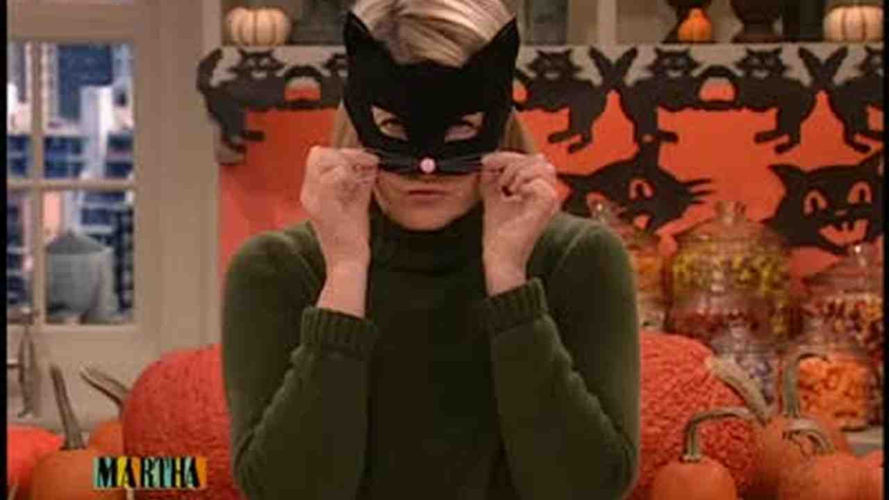 & Video: Simple Halloween Cat Mask | Martha Stewart