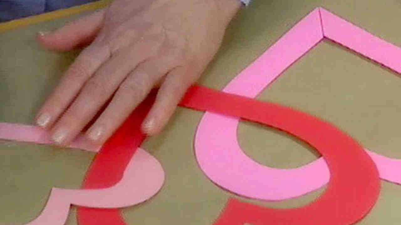 Video: Valentine\'s Day decorations | Martha Stewart