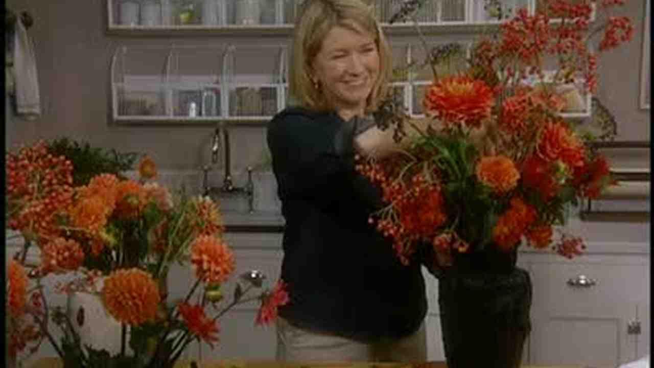 Video: Cosmos Flower Arrangements   Martha Stewart