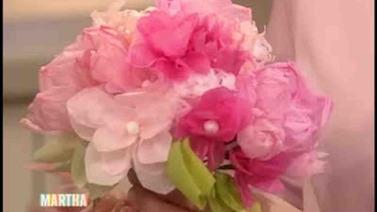 Video paper flower wedding craft martha stewart mightylinksfo
