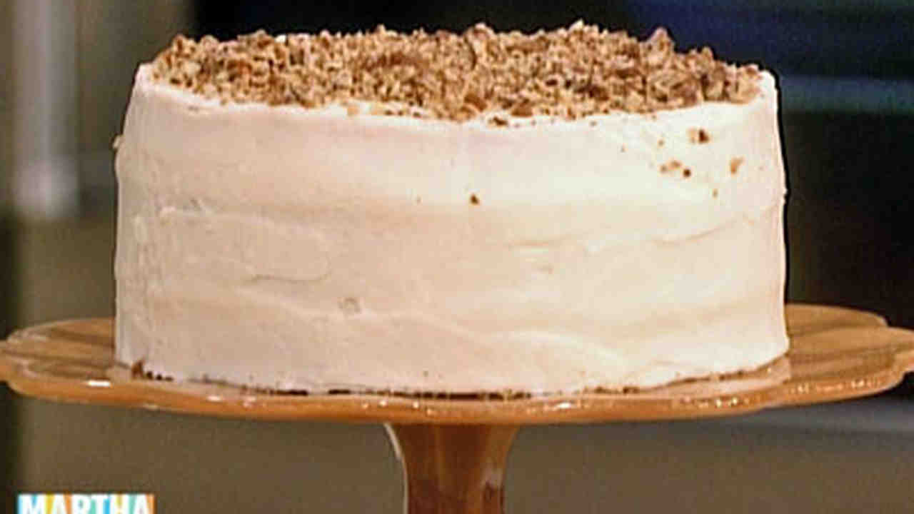 Video Paula Deens Hummingbird Cake Martha Stewart