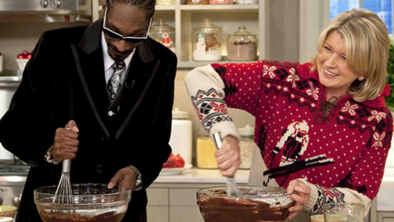 Video: Martha and Snoop Dogg Make Brownies   Martha Stewart