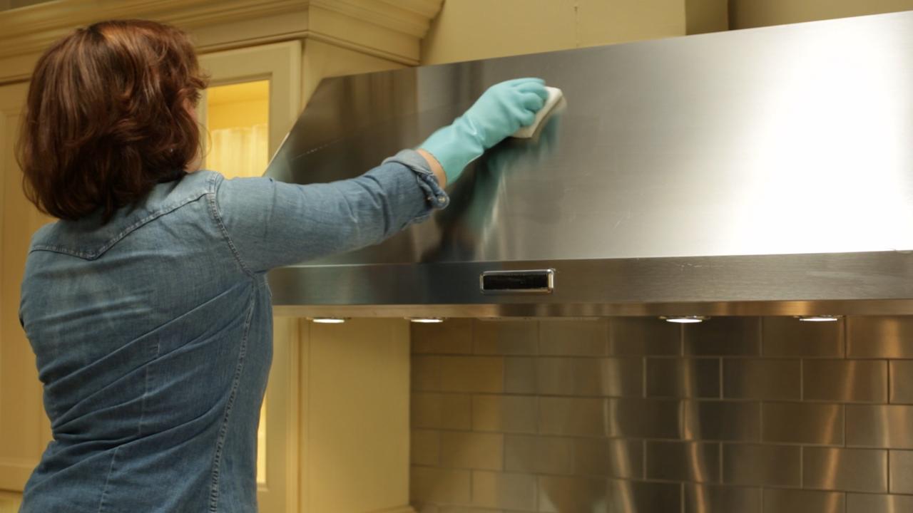 Video: How to Clean the Range Hood | Martha Stewart