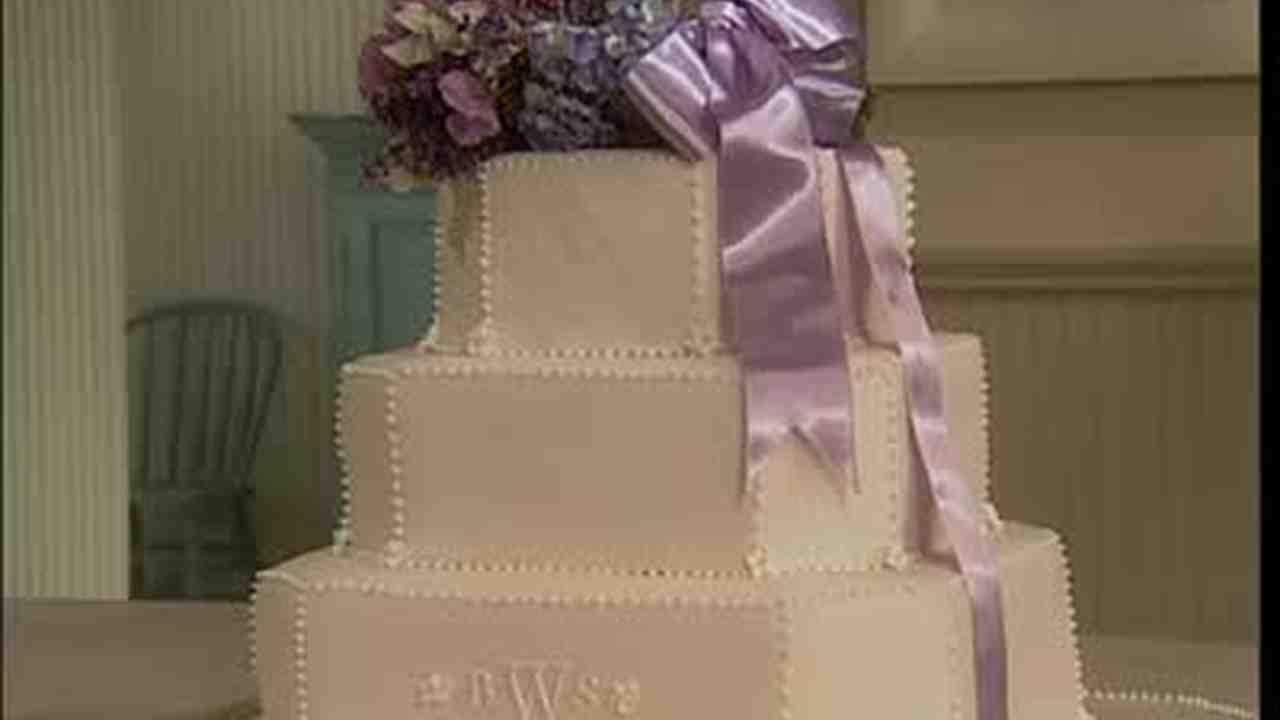 Video Layered Wedding Bouquet Cake Martha Stewart - Layered Wedding Cake