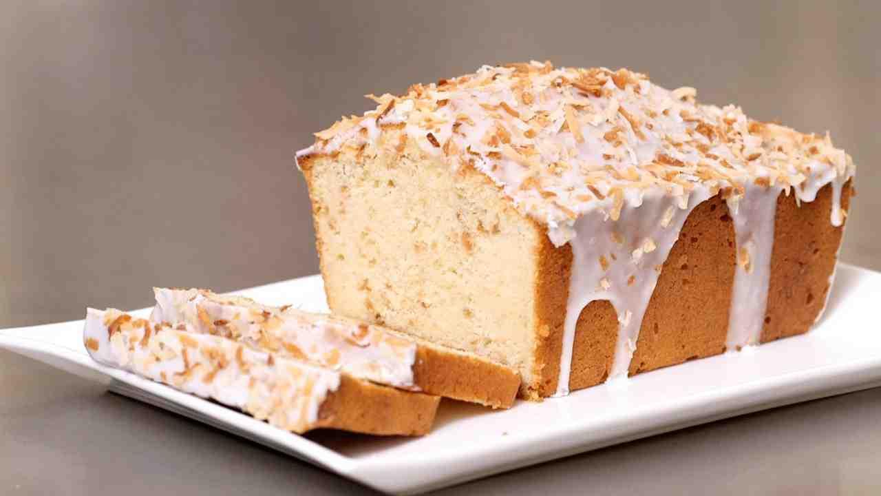 CoconutButtermilk Pound Cake