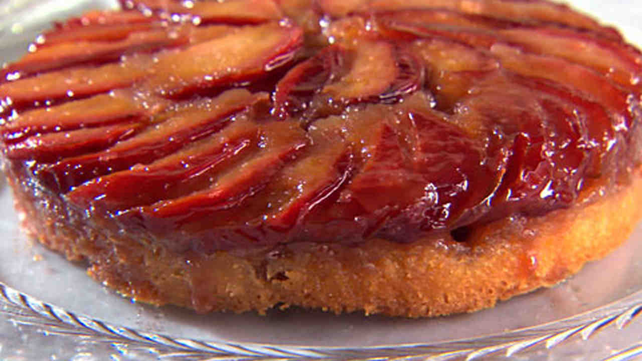 Communication on this topic: Plum Upside-Down Cake, plum-upside-down-cake/