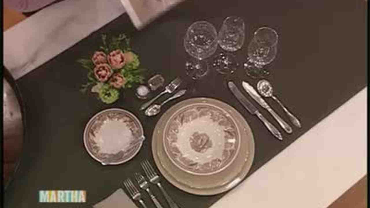 & Video: Setting a Dinner Table How-To | Martha Stewart